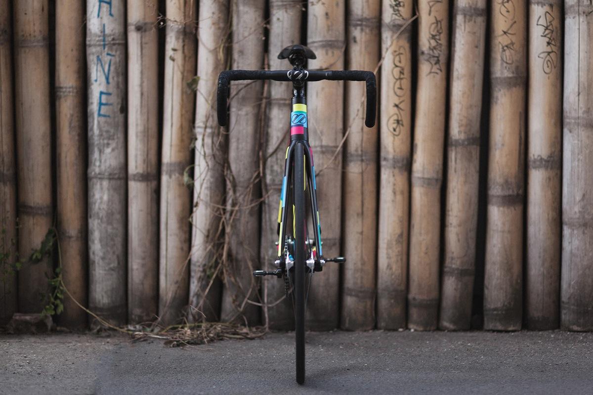 8bar-krzberg-v6-team-black-fixie-fixedgear-trackbike-0322_s copia